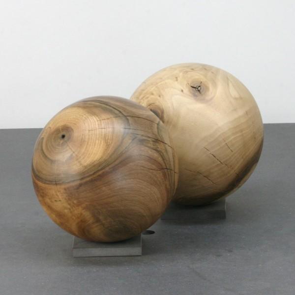 Zwei Holzkugeln im Set / Gr 107
