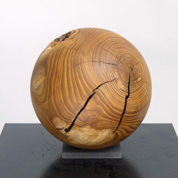 Holzkugel aus Maulbeerbaum / N 726
