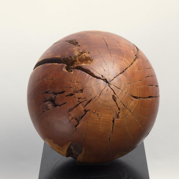 Massive Holzkugel aus Pflaume, P 006