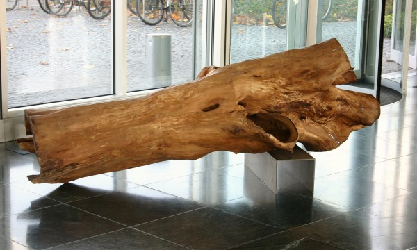 """Skulptur """"Sich ausruhender Stamm"""" - SKUL 081"""