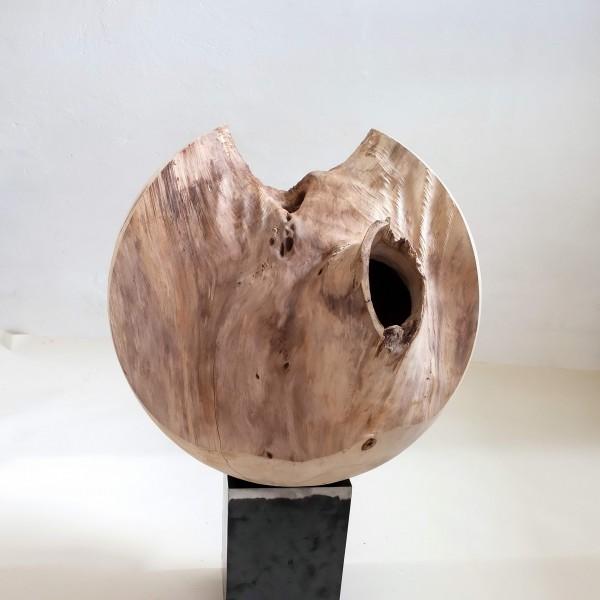 "Kugelförmige Skulptur ""Kugelform, ausgehöhlt"" / OB 017"