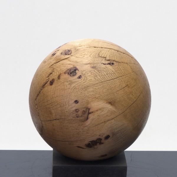 Massive Holzkugel aus Eichenmaser P 046