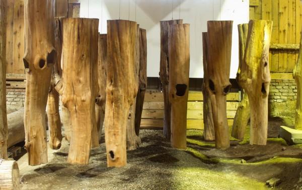 """Baumskulpturen """"Hängende Körper"""" / SKUL 193"""