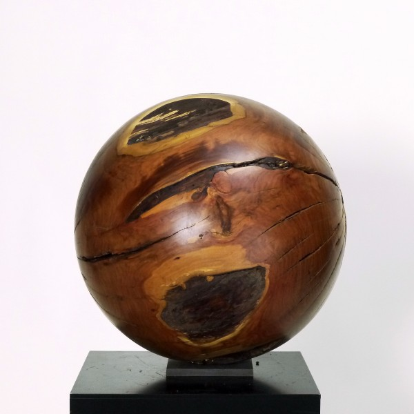 Massive Holzkugel aus Pflaumenholz O 977