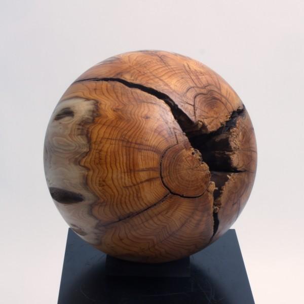 Massive Holzkugel aus Eibenholz P 011