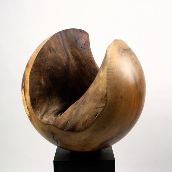 Offene Nussbaumkugel / N 222