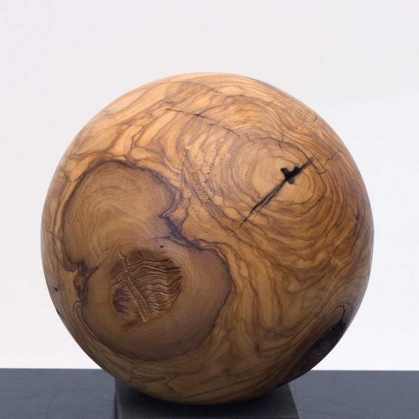 Massive Holzkugel aus Olivenholz P 044