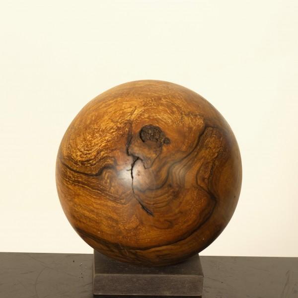 Holzkugel aus Nussbaummaser P 062