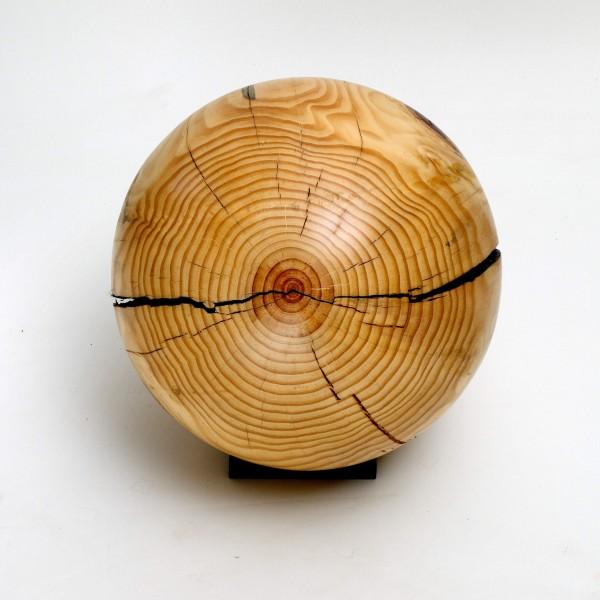 Holz-Urne als Kugel aus einheimischem Fichtenholz zum Aufbewahren der Urnenkapsel - K 109