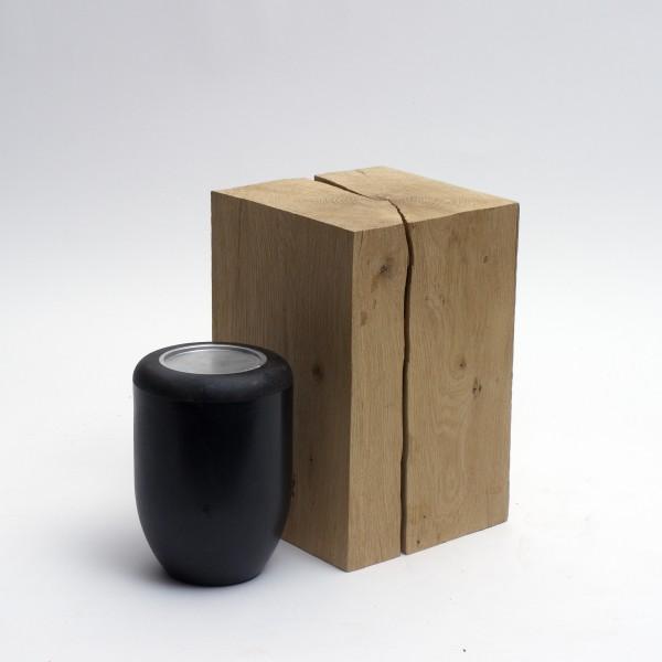 Holzurne aus einheimischem Eichenholz Zy 107