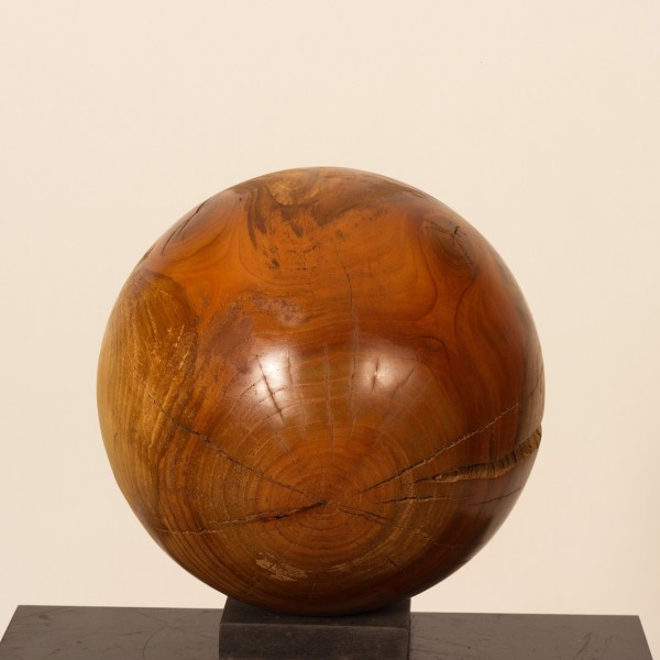 Holzkugel aus Kirsche O 124