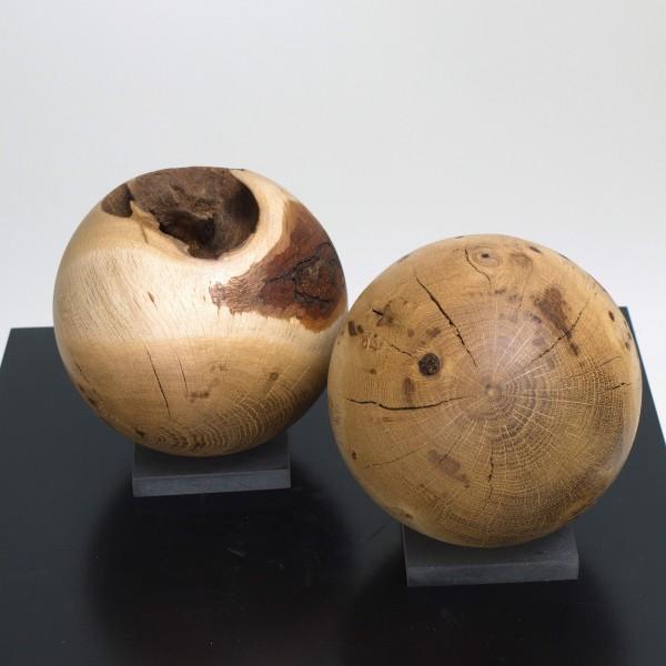 Zwei Holzkugeln im Set / Gr 128