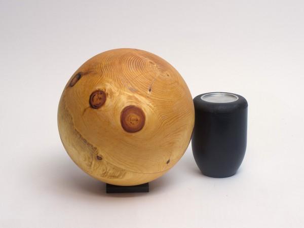 Holzurne aus einheimischem Kiefernholz K 147