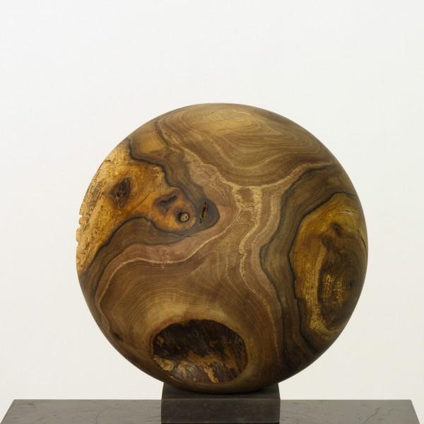 Holzkugel aus einheimischem Walnussbaum P 051