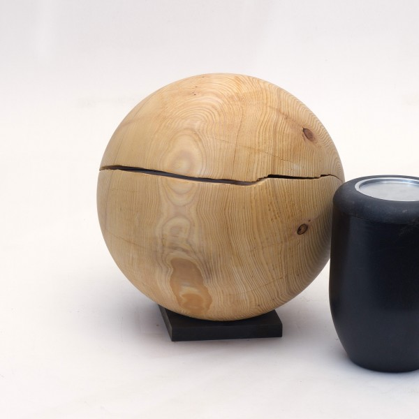 Holzurne aus einheimischem Fichtenholz K 162