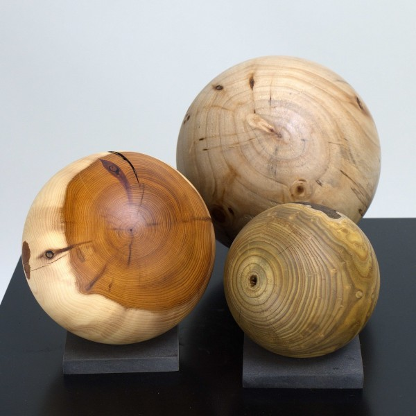 Drei Holzkugeln im Set / Gr 122