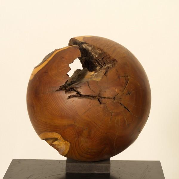 Holzkugel aus Eibenholz P 061