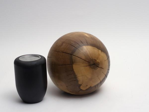 Holzurne aus Nussbaumholz K 150
