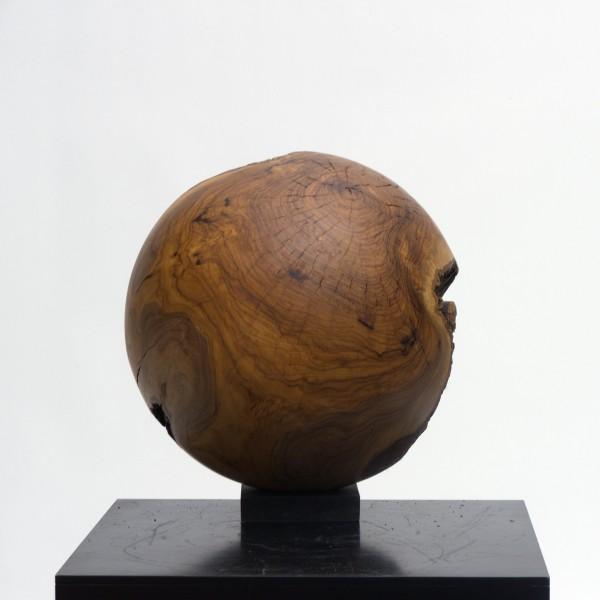 Massive Holzkugel aus Olivenholz P 025