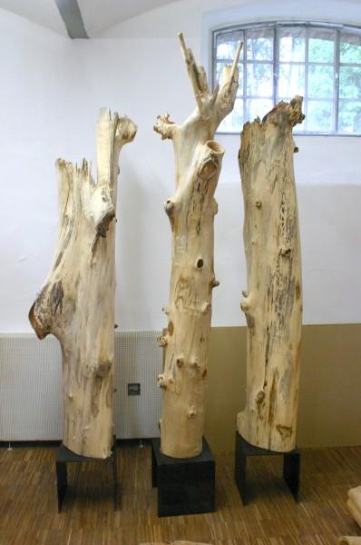 "Holzskulptur ""Drei Gestalten am Wegesrand"" / SKUL 121"