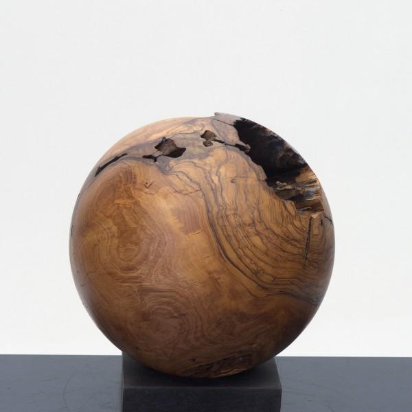 Massive Holzkugel aus Olivenholz P 047