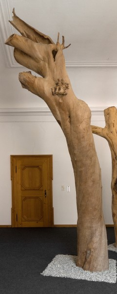 "Holzskulptur ""Obstgarten, sich hinausbeugende Form"" / SKUL 090-20"
